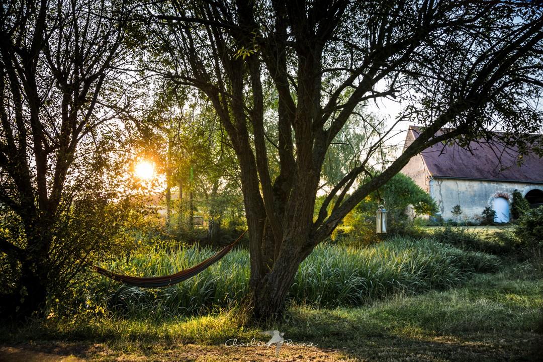 Un hamac dans un coin discret du jardin